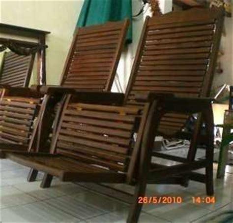 Kursi Goyang Jati Classic Kursi Teras Kursi Garden kursi malas kursi goyang teak lazy chair