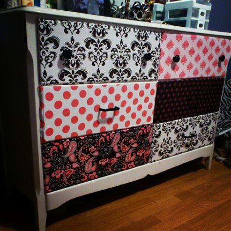 Mod Podge Dresser Ideas by Mod Podge Fabric On Dresser Drawers Gotta Try It