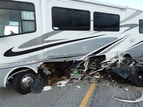 boat trailer wheel frozen 5 scary motorhome accidents you ll be glad you avoided