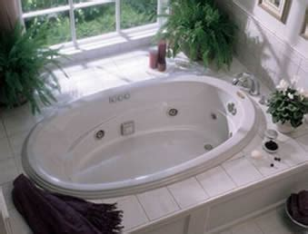 cleaning jacuzzi bathtub how to clean hot tub in 5 easy steps pool university