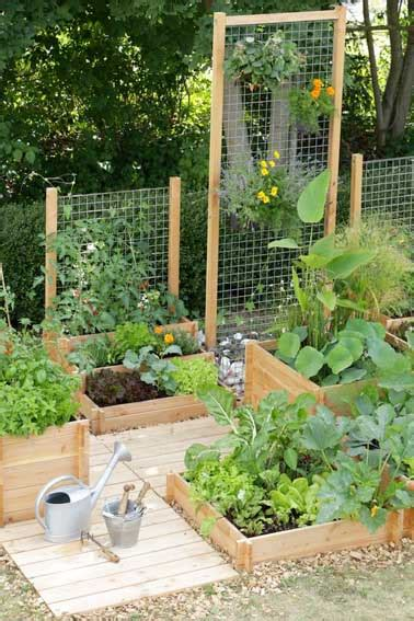 small vegetable gardens ideas faire un potager en carr 233 de jardin ou suspendu avec 3