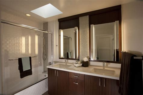 where can i find the vertical vanity lights