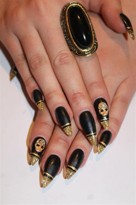 gold nail design 30 beautiful exles of gold glitter nail polish art