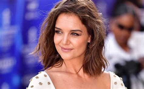 Katie Holmes' beachy bob is the perfect summer haircut for