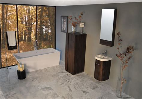 that is a pretty sweet looking bathroom i the