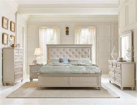 upholstered headboard king bedroom set vaughan bassett transitions panel upholstered bedroom set