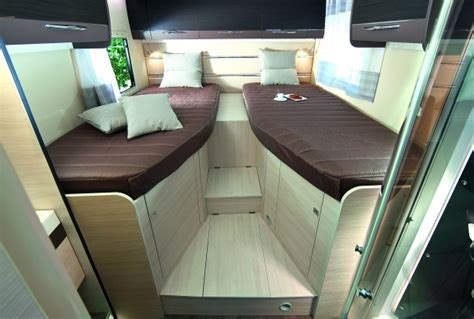 Location camping car pour couples et familles Profilé Twin Hertz Camping Cars