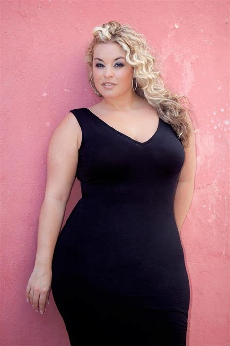 plus size fat curvy models short hair plus size model laura lee plus size models pinterest