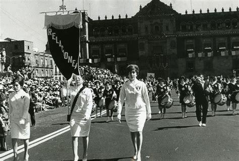 imagenes de la revolucion mexicana blanco y negro el desfile del 20 de noviembre en blanco y negro grupo