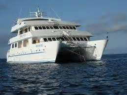 catamaran mean in hindi catamaran ship in the galapagos