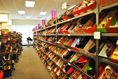 Shop Nordstrom Rack Try On These New Shoe Stores Tchs Rage