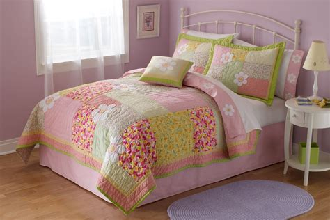 Julia Girls Bedding Quilt Set In Full Queen And Twin With Shams