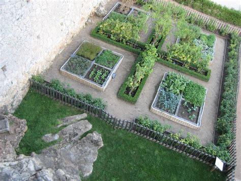 Jardin Potager Du Ch 226 Teau De Castelnaud Flickr Photo Potager Garden Layout