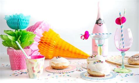 tischdeko planer farbenfroh feiern bunte tischdeko zum geburtstag