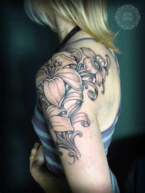 Flower Tattoo Quarter Sleeve | 40 cool and pretty sleeve tattoo designs for women