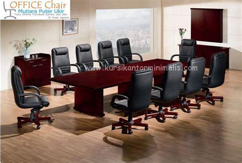 Satu Set Meja Kursi Teras Bisa Untuk Ruang Tamu Jati Jepara meja rapat jual kursi kantor putar jati ukir minimalis harga murah jual kursi kantor