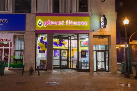 which planet fitness has haircuts which planet fitness offer free haircuts what is an