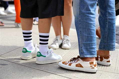 what to wear with sport shoes how to wear sandals and sneakers with socks