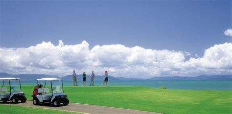 golf  laguna quays resort picture  whitsundays australia