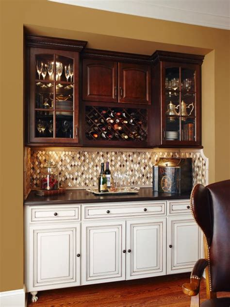 traditional neutral wet bar  diamond patterned