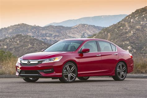 2016 Honda Accord Pictures 2016 Honda Accord Reviews And Rating Motor Trend