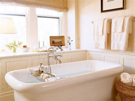 Wainscoting Around Tub by Idea For Wainscoting Around My Clawfoot Tub Leaving A