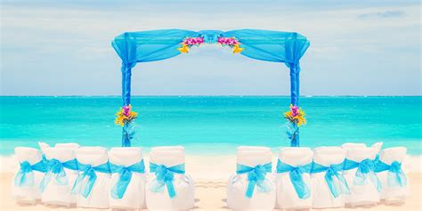 Wedding Arch Oahu by Hawaii Wedding Photographer Oahu Photographer