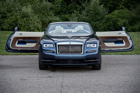 royce roll royce 2017 rolls royce dawn review autoguide com news