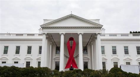 white house clinic top white house aids official visits san francisco clinic on national hiv testing day