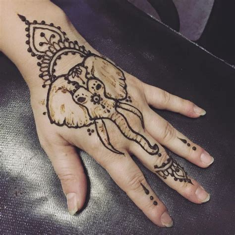 elephant hand tattoo henna tattoos elephant makedes