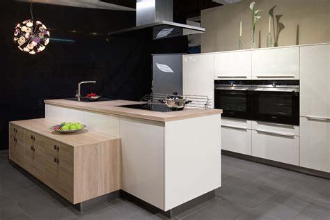 Küchen Ausstellung by Exklusives K 252 Chendesign