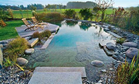 Schwimmbecken Im Garten by Pool Wasser Im Garten Teich Selbst De
