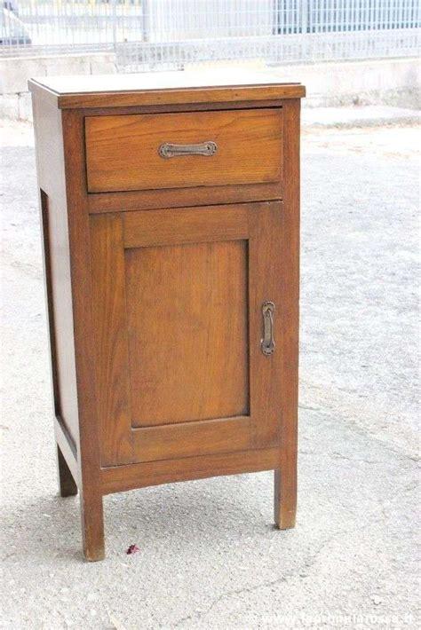 comodino legno grezzo comodini in legno antico foto design mag