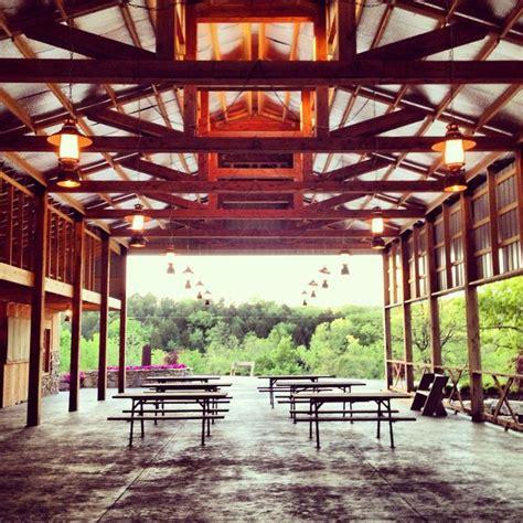white barn st louis haue valley barn wedding venue near st louis mo haue