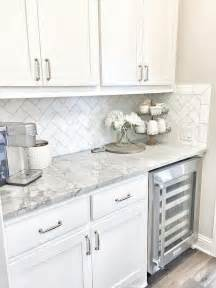 tiled kitchen ideas best 25 subway tile backsplash ideas only on pinterest white kitchen backsplash subway tile