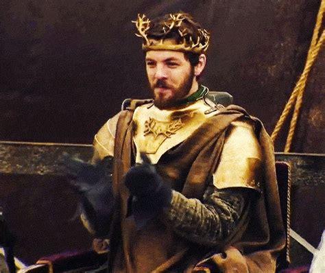 disney x got renly baratheon when renly baratheon gives the most subtle wink of thrones gifs popsugar