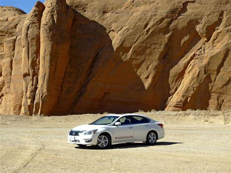 comfortable cars for road trips review 2015 nissan altima 2 5 sl has really comfortable