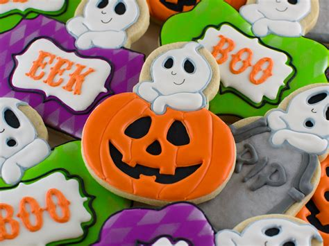 how to add a ghost to any halloween cookie semi sweet