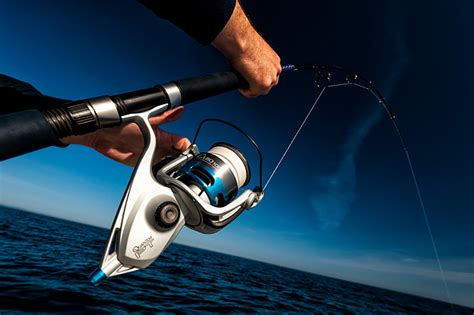 what kind of boat is the hot tuna lure fishing for bluefin tuna off the coast of italy