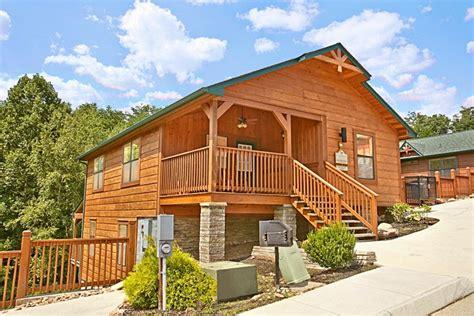 3 bedroom cabin near dollywood gatlinburg