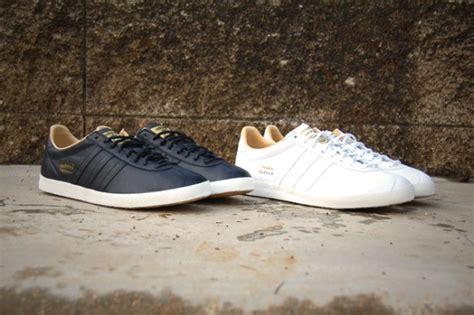 Adidas Premium Murah Adidas Yezzy Blue Premium adidas originals gazelle og premium leather pack sneakernews