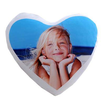cuscino a cuore con foto cuscino cuore con foto idea regalo originale