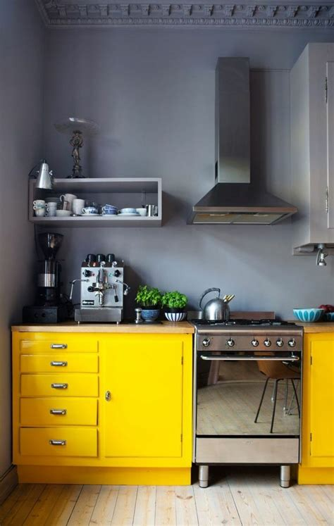 yellow grey kitchen kitchen ideas pinterest the o cuisine petite surface id 233 es pour un design moderne