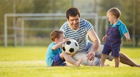 imagenes de niños jugando con sus padres el hijo preferido 191 mito o realidad cromos