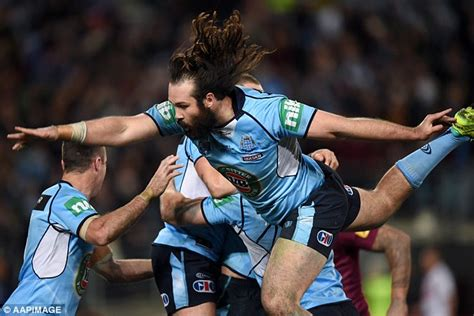 aaron woods hilarious try celebration fail in state of origin daily mail online