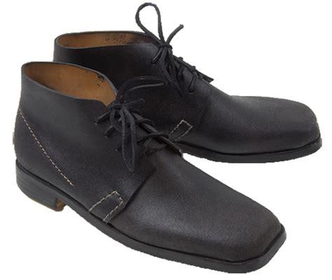 brogan shoes judged him by his shoes smelly brogan el chupa nibre