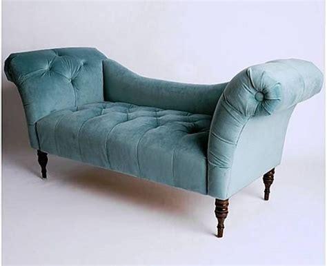 fainting sofa 1000 ideas about fainting on antique