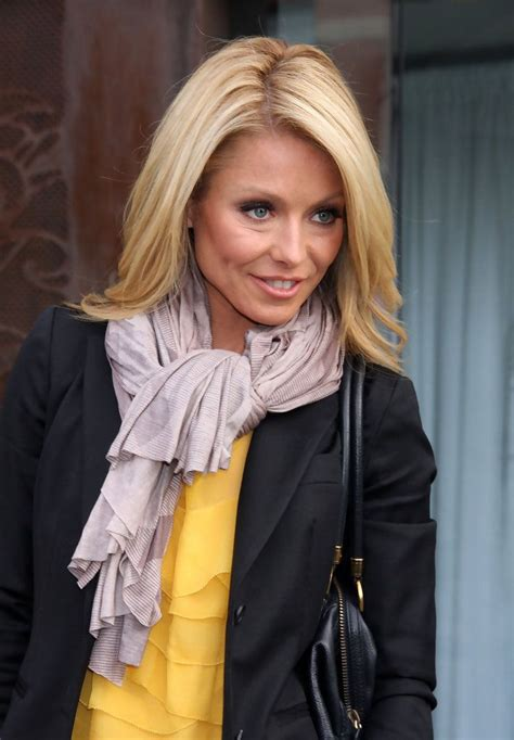 25 best ideas about kelly ripa age on pinterest kelly best 25 kelly ripa new host ideas on pinterest kelly