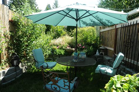 Large Backyard Umbrella 15 New Diy Patio Furniture And Decoration Ideas