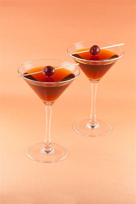 classic manhattan drink classic manhattan cocktail ohmydish com